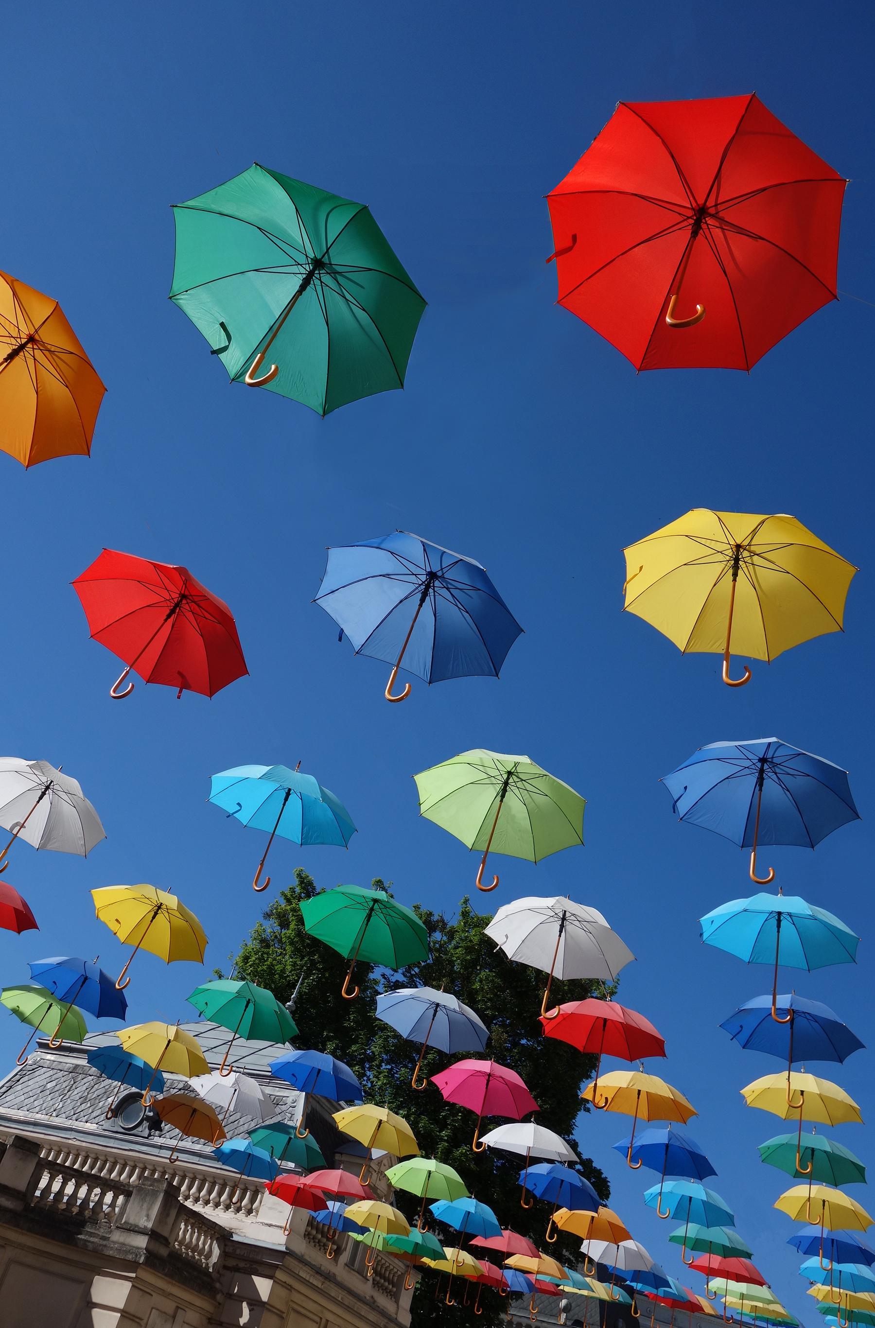 2j museum umbrellas
