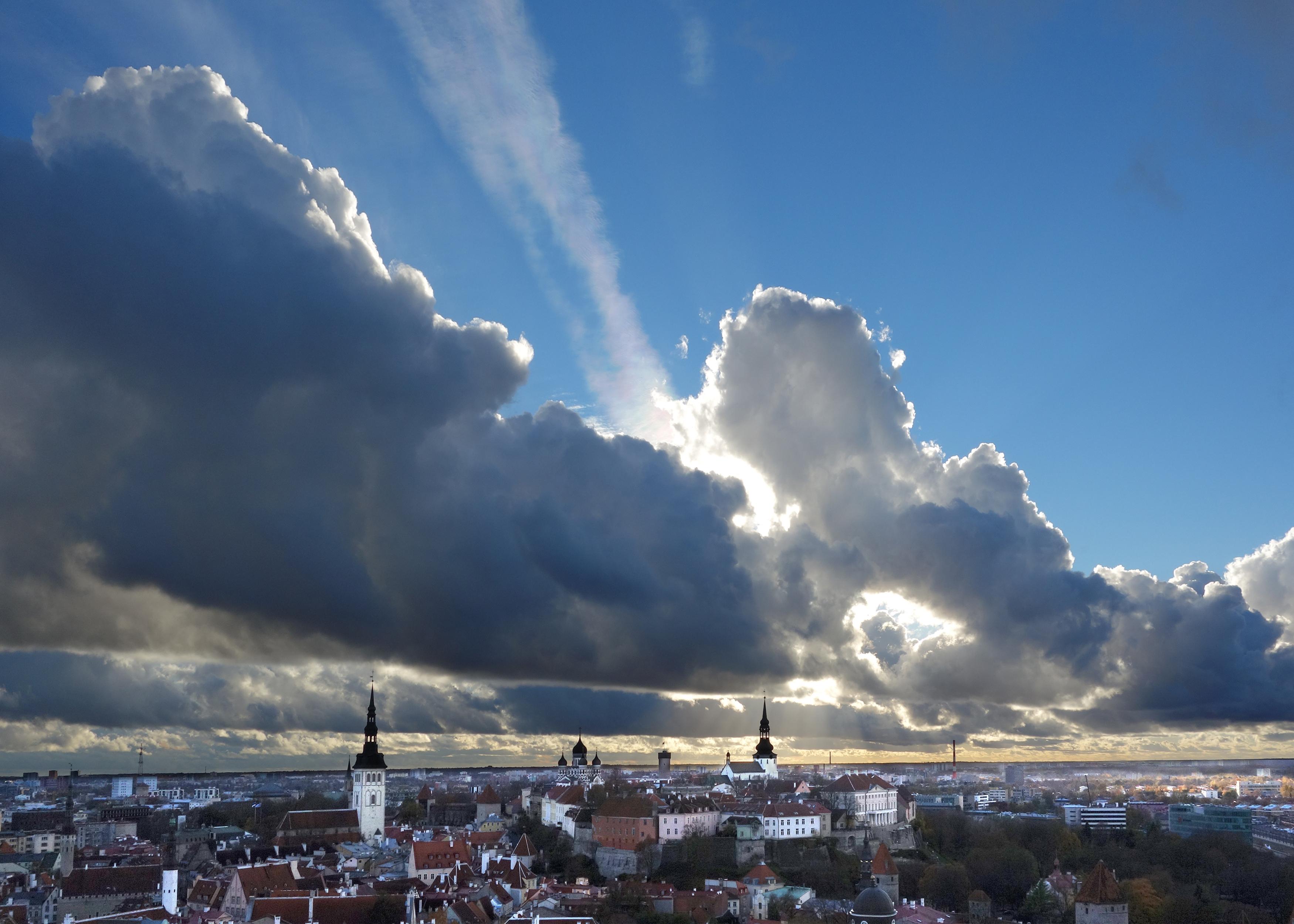 Tallinn sky